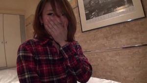 可愛い25歳の女の子をハメ撮り
