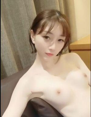 無修正 カワイイ華奢な女性 リアル 中国系