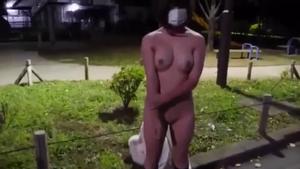 【個人撮影】ショートボブのむっちりお姉さんが野外で全裸露出!ハメ撮りまで…【スマホ撮影】