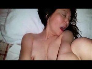 個人撮影 チンコ狂いのヤリマン熟女ホステス・淫らな姿をもっと撮って