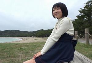 【高画質】清楚系黒髪美女と海辺でフェラ!脱いだらドえらい変態女だった・・・