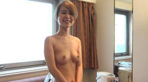 笑顔がめちゃくちゃ可愛い!関西弁萌えな激カワショートカット娘と生中出しセックス!