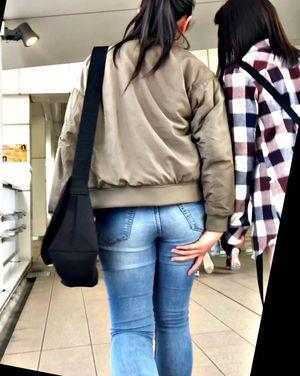 尻の大きさを気にする娘