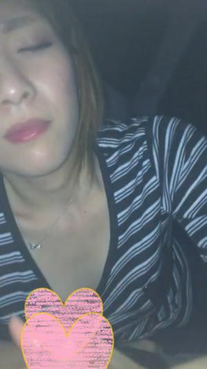 【個人撮影】パツキンギャルの車内フェラ【口内発射】