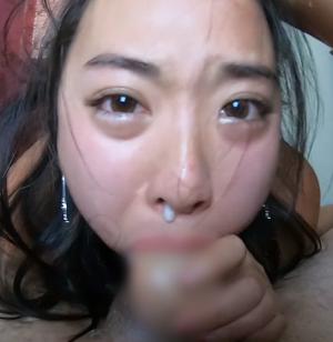 衝撃映像!!鼻から精子が出るほど激しいイラマチオ?