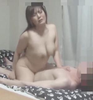 【個人撮影】巨乳熟女なおみ(36)「あああん!いくううう」騎乗位でちんぽをしごき倒されました