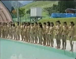 【昭和エロシリーズ】水着じゃないよ?全裸で美少女水泳大会~!バブル編
