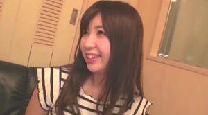 美乳の21歳女子大生が早漏の彼氏に不満で初ハメ撮り挑む