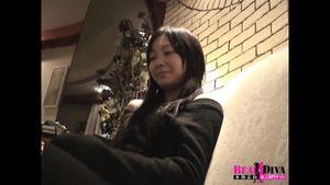 美巨乳な19歳のおっとり系の女子大生をエロハメ撮り
