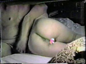 『モザ無』ホームビデオ感覚で撮ったハメ撮り動画!淫乱美人妻がオナニーしながらギンギンなチンポを咥えてジュポジュポ!からの生挿入!『05分43秒』