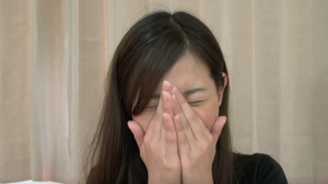 sexレス夫婦 旦那しか知らない結婚2年目の静岡在住34歳美人妻に中出し 丸見え