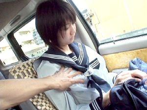 【美少女】セーラー服限定サポ!黒髪ショートカットの娘が男2人にちん汁塗れのイラマ地獄