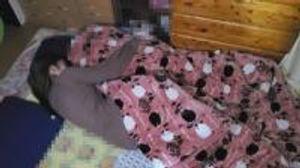 【顔晒し】巨乳の二児の母。お子さんと寝ている部屋で、膣奥に2人の他人棒で何度も中出しされ孕まされる