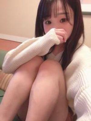 ※限定【無修正】田舎から上京してきた色白素朴少女。連続射精~飲精(45分)