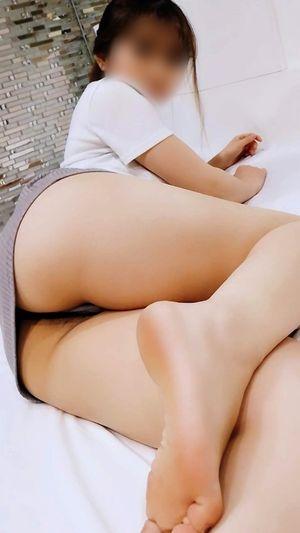 ※期間限定【神尻】ラウンジ嬢 スレンダー美尻ギャルのキワキワを超えた激エロ施術!尻コキとセックスで2回もイカされる!