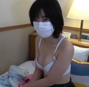 【無修正】童顔の田舎娘と初ハメ撮りS〇X!!【処女】
