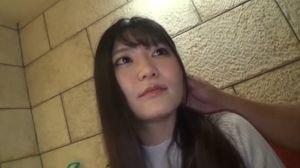 スレンダーで清楚な20歳女子大生が初ハメ撮りで激しくハメられ喘ぎまくり