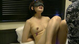 美乳Dカップ素人 後ろ手拘束で乳首イキ+電マイキ 母乳?搾り付 j-34-3-1