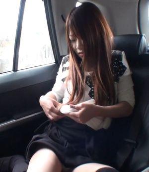 【無】小柄スレンダー女に車内で1発・野外でもう1発 ※12/16まで480pt