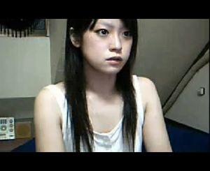 【エロイプ】美少女が変な気分になってビンビン乳首を見せてくれました。※無音