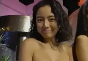 【昭和エロシリーズ】平成初期、ギャルの水着祭り!裸エプロンクッキング、おっぱい丸出しシーンあり。