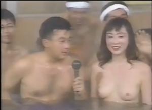 【昭和エロシリーズ】いろいろな地域の女子アナウンサーおっぱい丸見え、セクハライベント