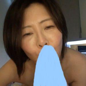 【ハメ撮り】久しぶりのおチ●ポを受け入れて少女のような顔を魅せる五十路熟女!