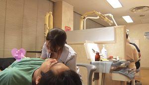歯科医院で治療していたら女性衛生士さんがオッパイを吸わせてくれて、さらに手コキまでしてくれた