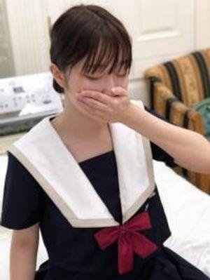 20才色白ロリ天然キャラ爆裂の優花ちゃんに義理のパパ(?)が中出し!