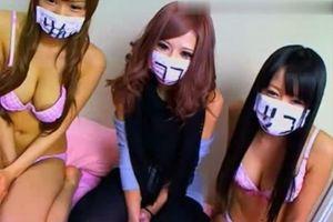 大学の女友達3人とふざけて4Pして遊びました。