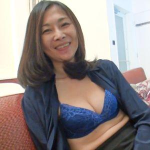 【個人撮影】50代 お姉さん系美熟女オバ様 ◆ シワ感のあるスレンダーな身体のハメ撮り映像