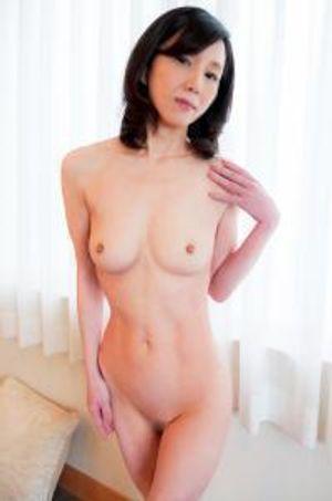 【個人】華奢な極細体型の美人妻56歳。青年との脅迫セックスでアバラが浮き出る初めての連続絶頂から強制中出し