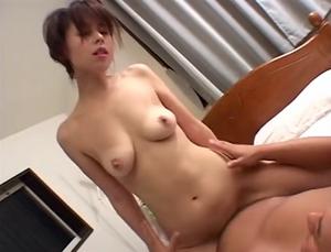 三十路 ちんぽで狂う美人熟女 榎本由紀子