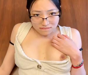 【個人撮影】帰国子女かおり(21)2発射精!美人な先生と授業中に生中出しセックスしちゃいました?