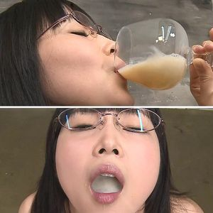 精液を好むかわいい女の精液フェチ!Bukkake