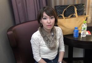 英語通訳バイリンガール美女のオナニー