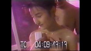 (無)【昔の名美人】★★ 坂口〇おり  居間で撮影したセックス,美形で美乳、癒し系のイイ女。(共2本)