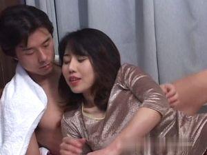 (無)【名美熟女】★★ 小沢〇乃 興奮必須のエロBODY、これぞ熟した快感SEXです。