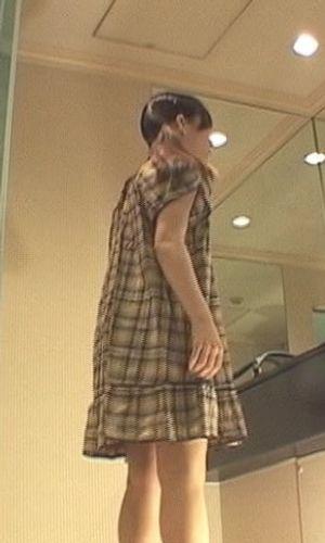【騙し】モデルの着替えをこっそり見て,さらに目隠しさせたモデルにバイブで疑似フェラをしてもらってる最中に本物チ●コをこっそり紛れ込ませた結果8…【悪戯】