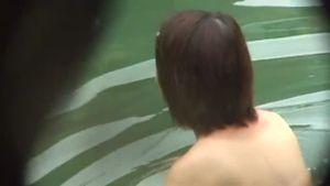 GOTOお風呂!!若者たちの無防備な裸体を隠し撮り?・・13