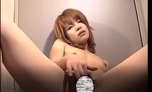 貧乳スレンダーギャルに顔射2発SEX