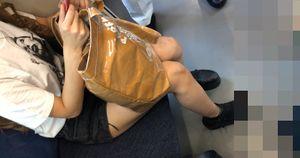 【電車対面】ギャルのショートパンツ姿を観察