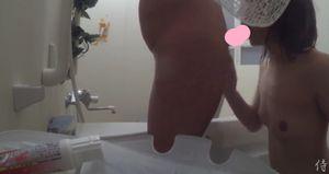 【かわいくごっくん】お風呂フェラ抜きを隠し撮り