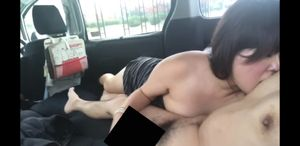 ハピメで出会った人妻と車内フェラ
