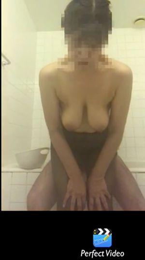 [無修正]スマホで個撮ハメ[ぽっちゃり爆乳奥様のお風呂でセックス2連発でギンギンの黒光りチンポをベロベロ舐めてデカ乳ブルンブルン揺らしながら立ちバックでハメられまくる]04:01