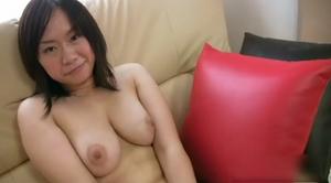 小峰知美 28歳