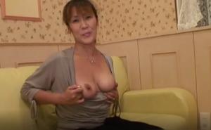 新谷 佐代子 49歳