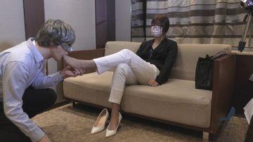 【個人撮影】【上場企業OL26才】【長身】パンスト美女の足指を舐めつくす!さとみ③前編【完全オリジナル作品】【足舐め】【パンスト】【素人】
