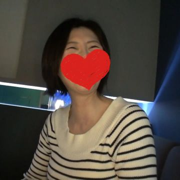 【ハメ撮り】10年以上ぶりのSEXに大興奮するショートカット熟女!