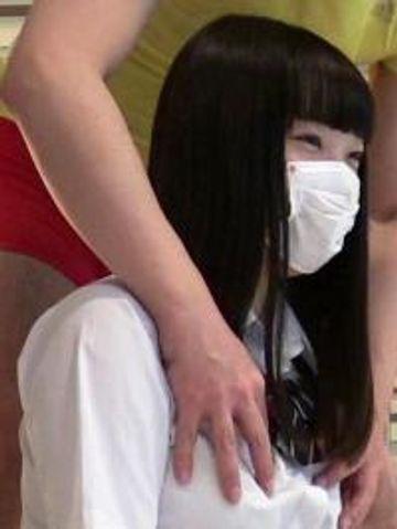 18才黒髪ロリ巨乳美少女ミクちゃんの初めてのハメ撮り!揺れるボリューム感あるおっぱいに発射!